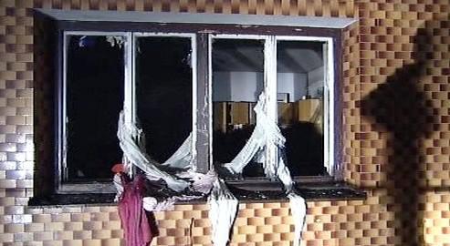 Výbuchem vyražené okno