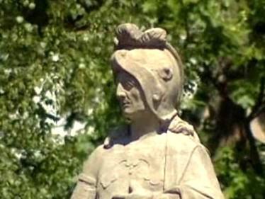 Detail sochy na mostě v Žďáru nad Sázavou