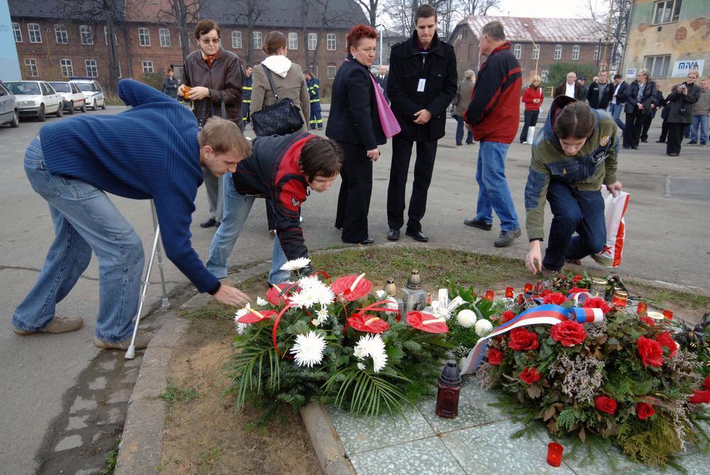 Pietní akt obětem železničního neštěstí ve Studénce