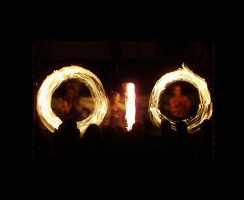 Žonglování s ohněm