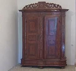 Barokní skříň