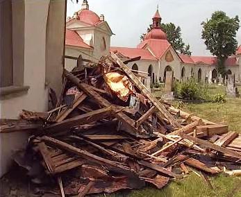 Zničená střecha