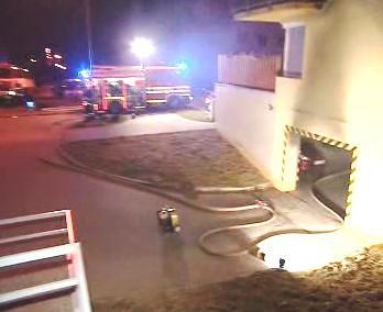Požár v podzemních garážích