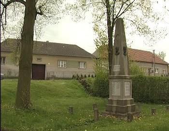 Pomník ve Studenci