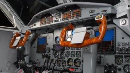Kokpit letounu L-410
