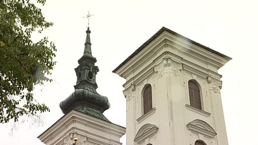 Kostel ve Vranově je bez věže