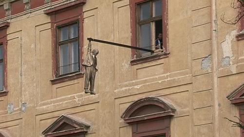 Sigmund Freud visí v Holešově