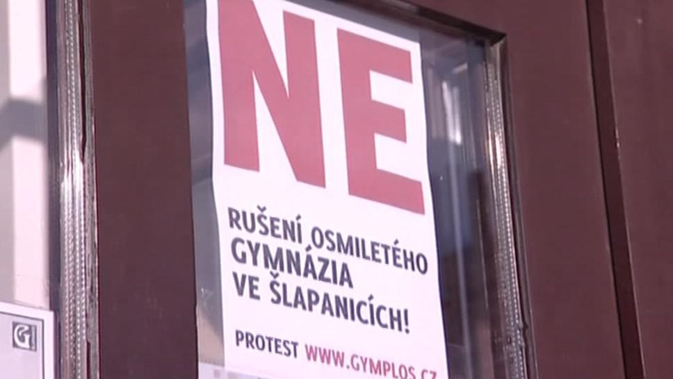 Gymnázia protestují proti rušení víceletých tříd