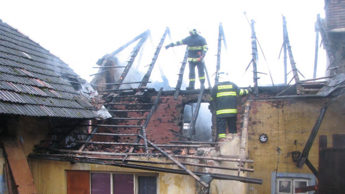 Požár rodinného domu v Částkově