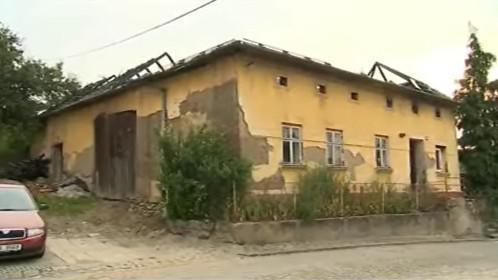 Vyhořelý dům v Částkově