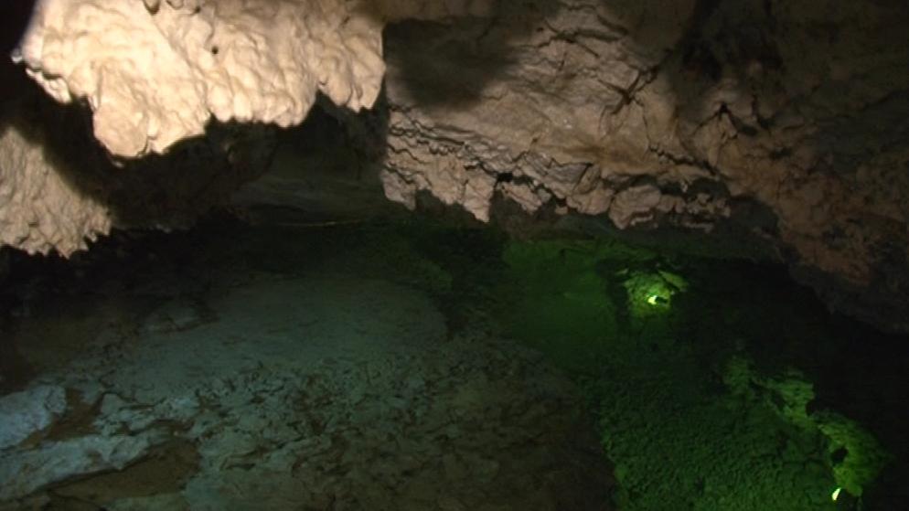 Jezerní dóm v jeskyni na Turoldu