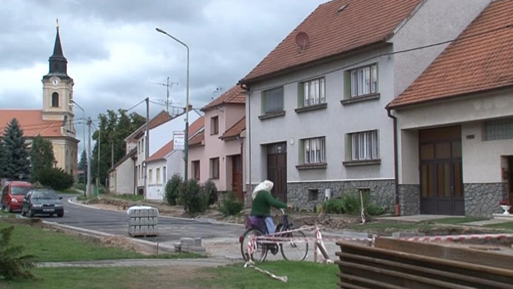 Rekonstrukce vytížené silnice v Ratíškovicích