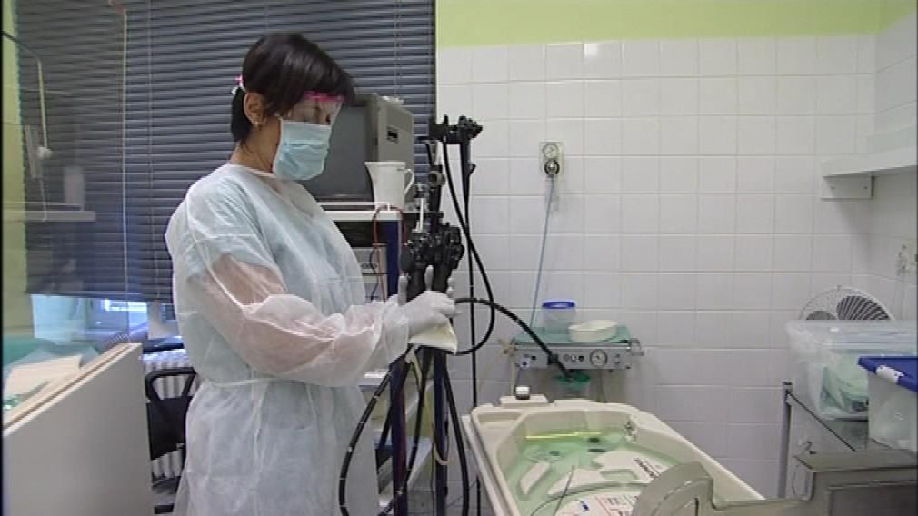 Nový přístroj umožní omezit lépe ošetřit použitý endoskop