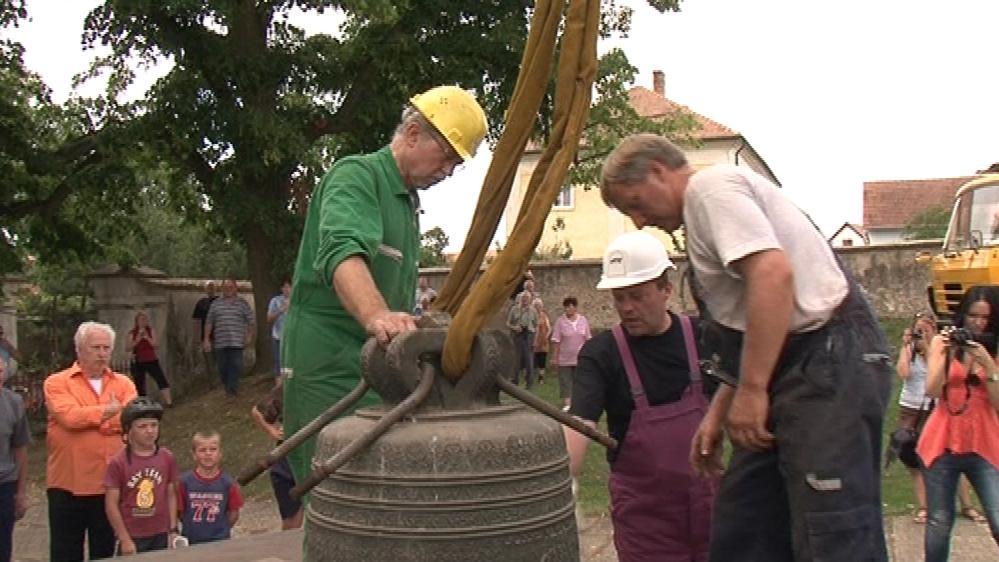Zvony opustily zvonici