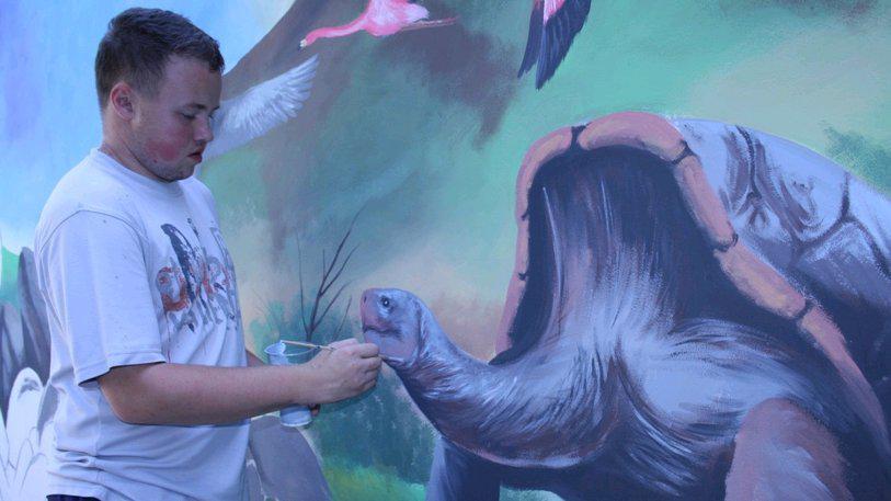 Petr Přikryl při práci v hodonínské zoo