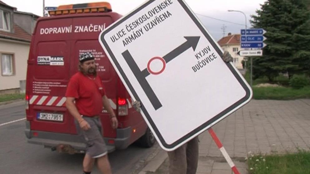 Dopravní uzavírka ve Slavkově u Brna