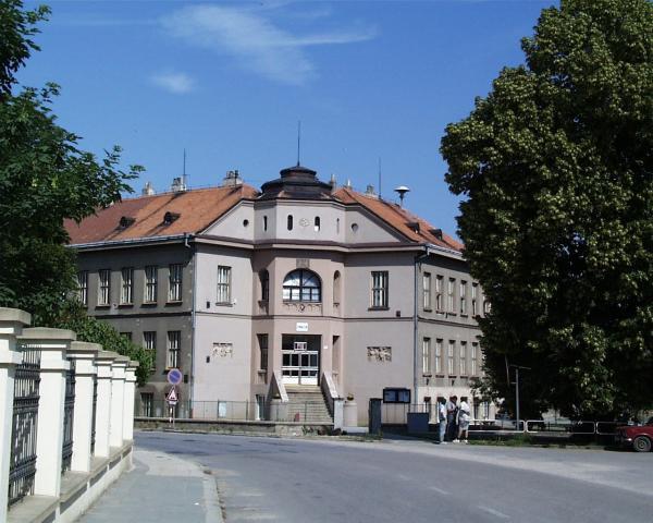 Gymnázium v Židlochovicích