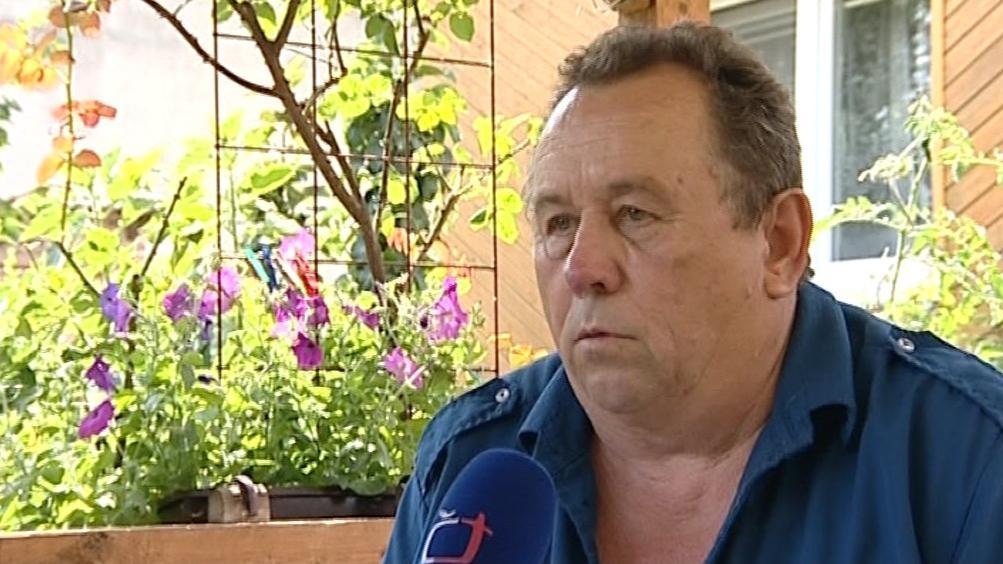 Jaroslav Dostál z Bulhar se bojí, že přijde při sesuvu svahu o dům