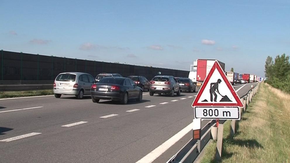 Kolona na dálnici D1