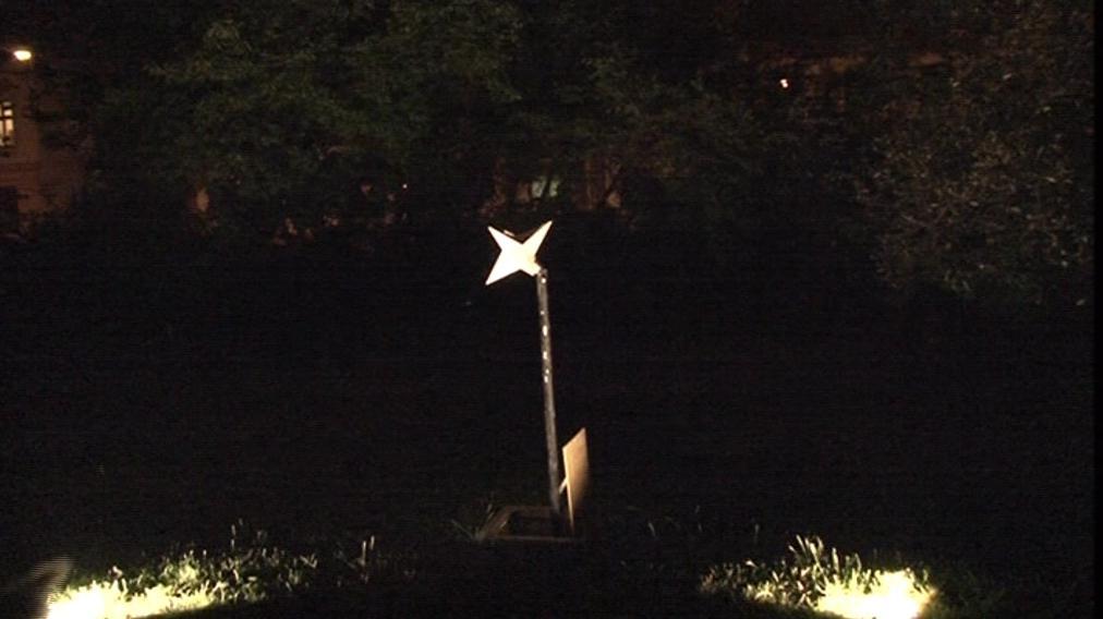 Hvězda se vynoří jen o půlnoci