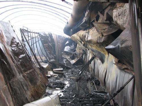 Následky požáru tržnice v Olomoucké ulici