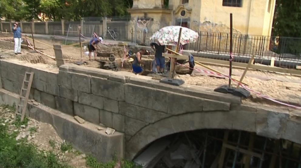 Historický most spojuje Velehrad a Tupesy možná už od 14. či 15. století