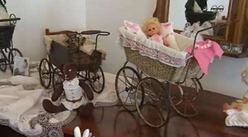 Výstava kočárků a panenek na zámku v Napajedlech