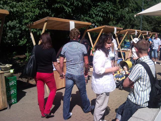 Farmářské trhy v parku Koliště
