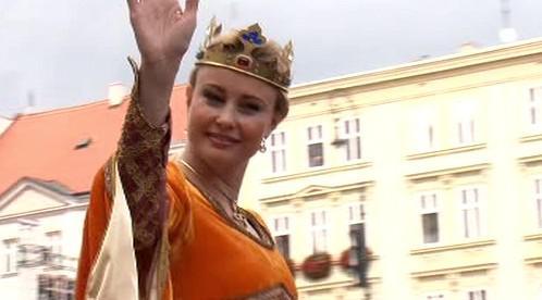 Přijíždí královna vinobraní