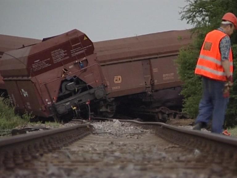 Vykolejení vlaku u Topolan