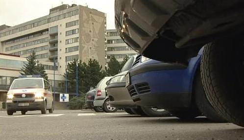Parkování u znojemské nemocnice
