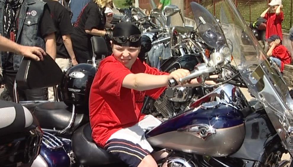 Děti se mohly na motorky nejen podívat, ale také si na ně sednout