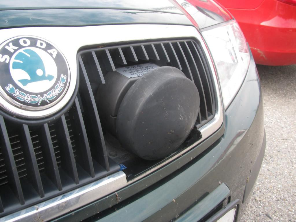 Muž si na auto namontoval radar