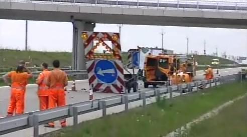 Tři zranění jsou silničáři, kteří na dálnici pracovali