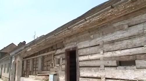 V Knínicích u Boskovic začal přesun roubenky z konce 17. století
