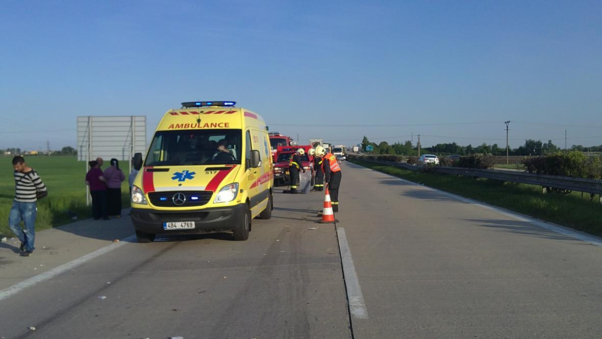 Dopravní nehoda zablokovala dálnici D2