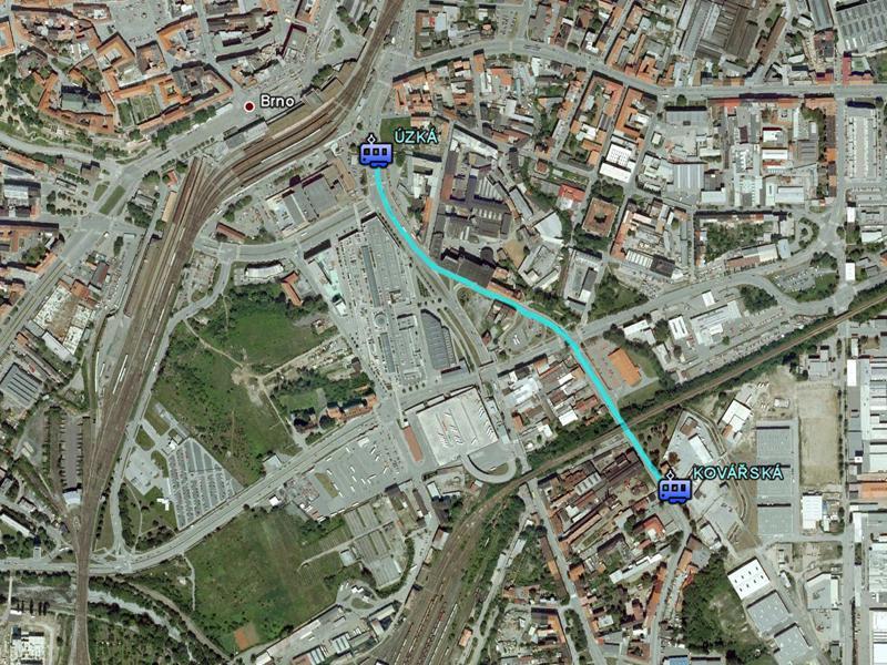Úsek mezi tramvajovými zastávkami Úzká a Kovářská je v kritickém stavu. Hrozí zde vykolejení tramvaje