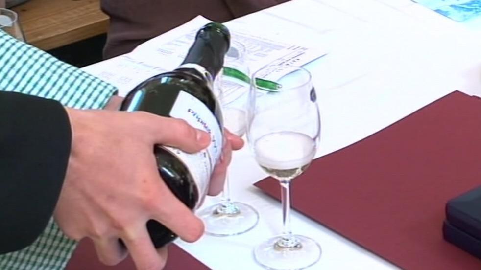 Ochutnávka vína na Valtických vinných trzích