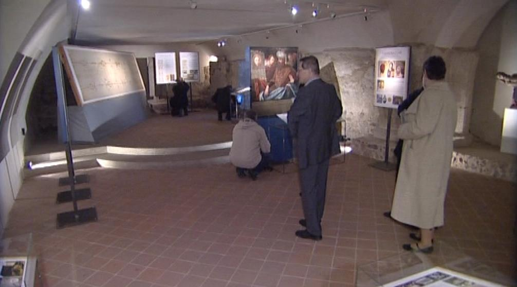 Fotokopie Turínského plátna v kryptě brněnské katedrály
