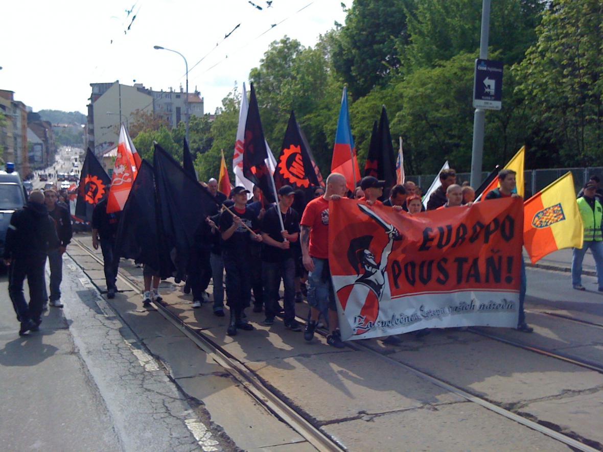 Radikálové se vydali na pochod ulicí Milady Horákové
