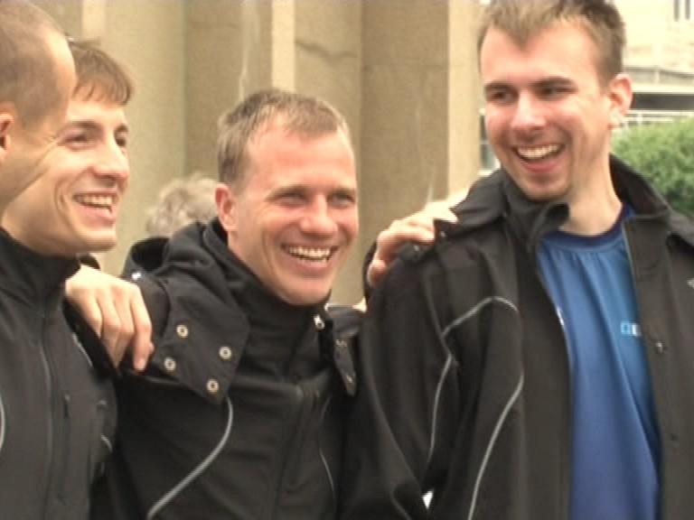 Cestovatelské trio před odjezdem