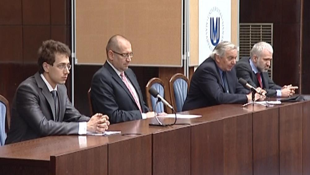 Volba nového rektora MU na právnické fakultě