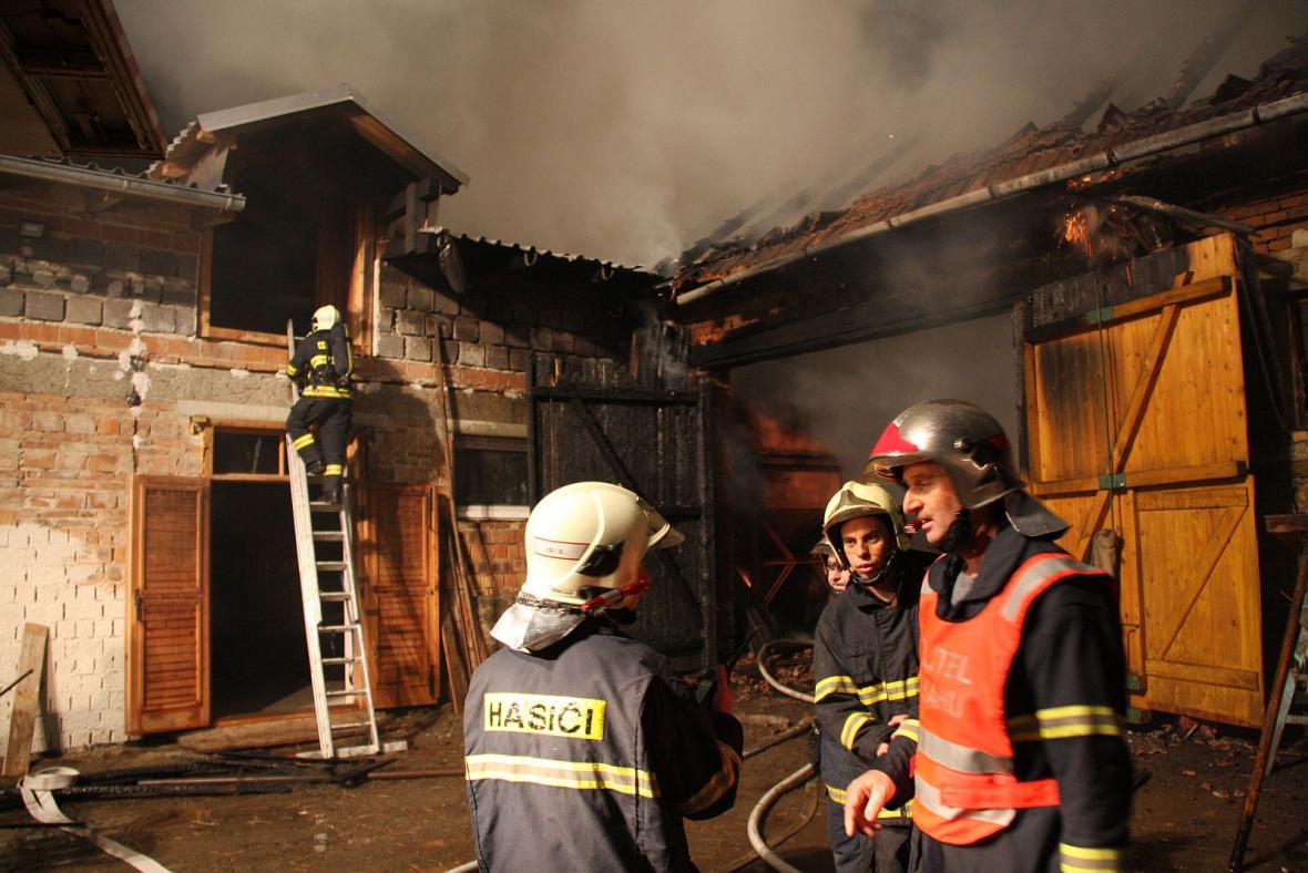 Požár na statku v Hulíně