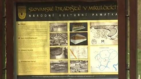 Slovanské hradiště v Mikulčicích