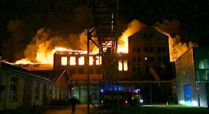 Požár továrny v Chropyni