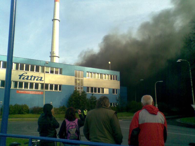 Požár přilákal spoustu zvědavců