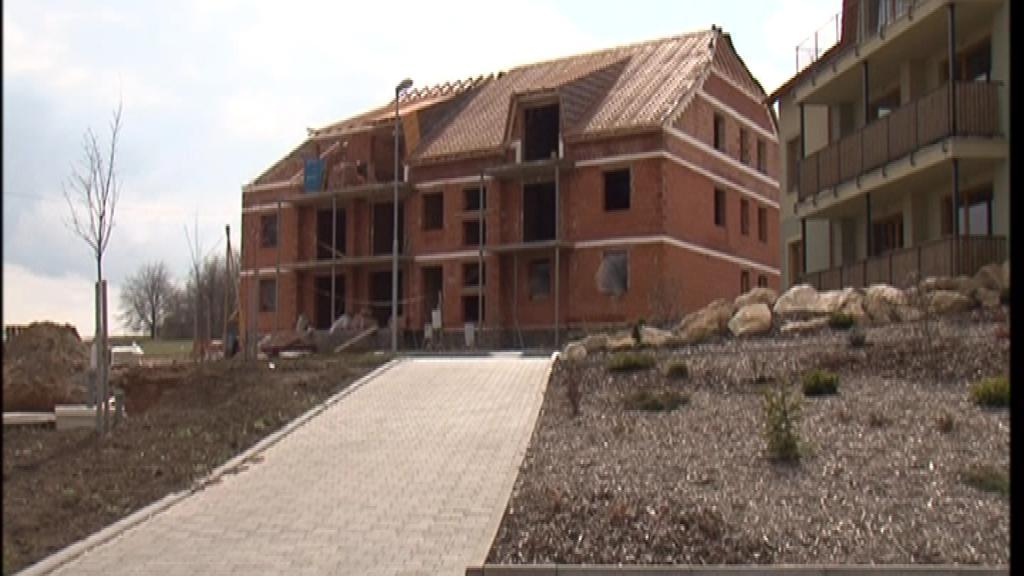 Stavba bytového domu v Holubicích