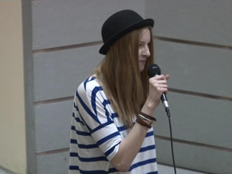 Slammerka Barbora na festivalu Slampoetry