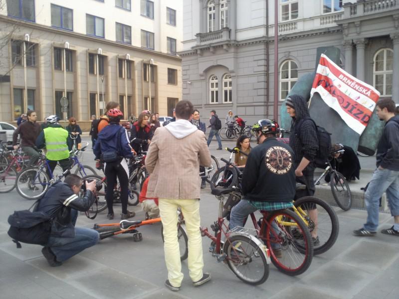Cyklisté se připravují na jízdu Brnem