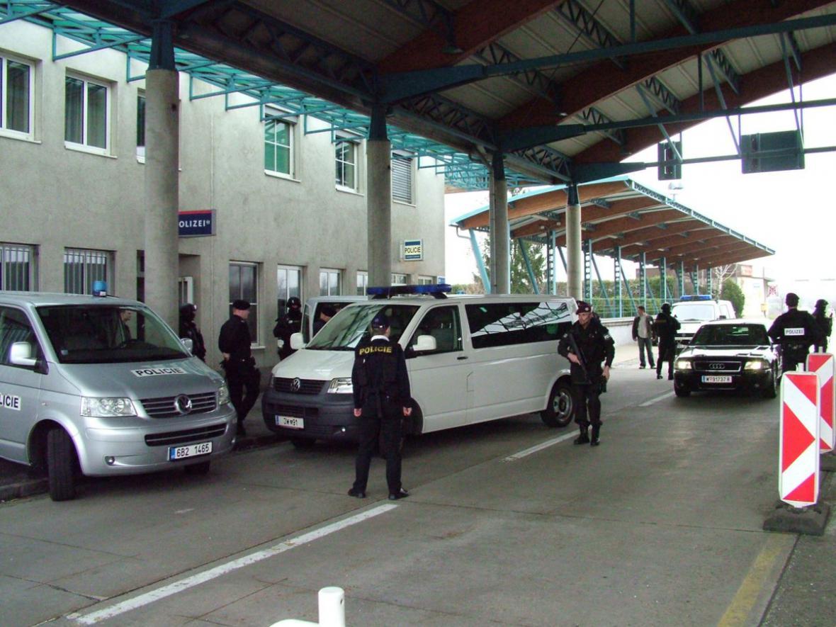 Předání Romana Vaškůje české policii